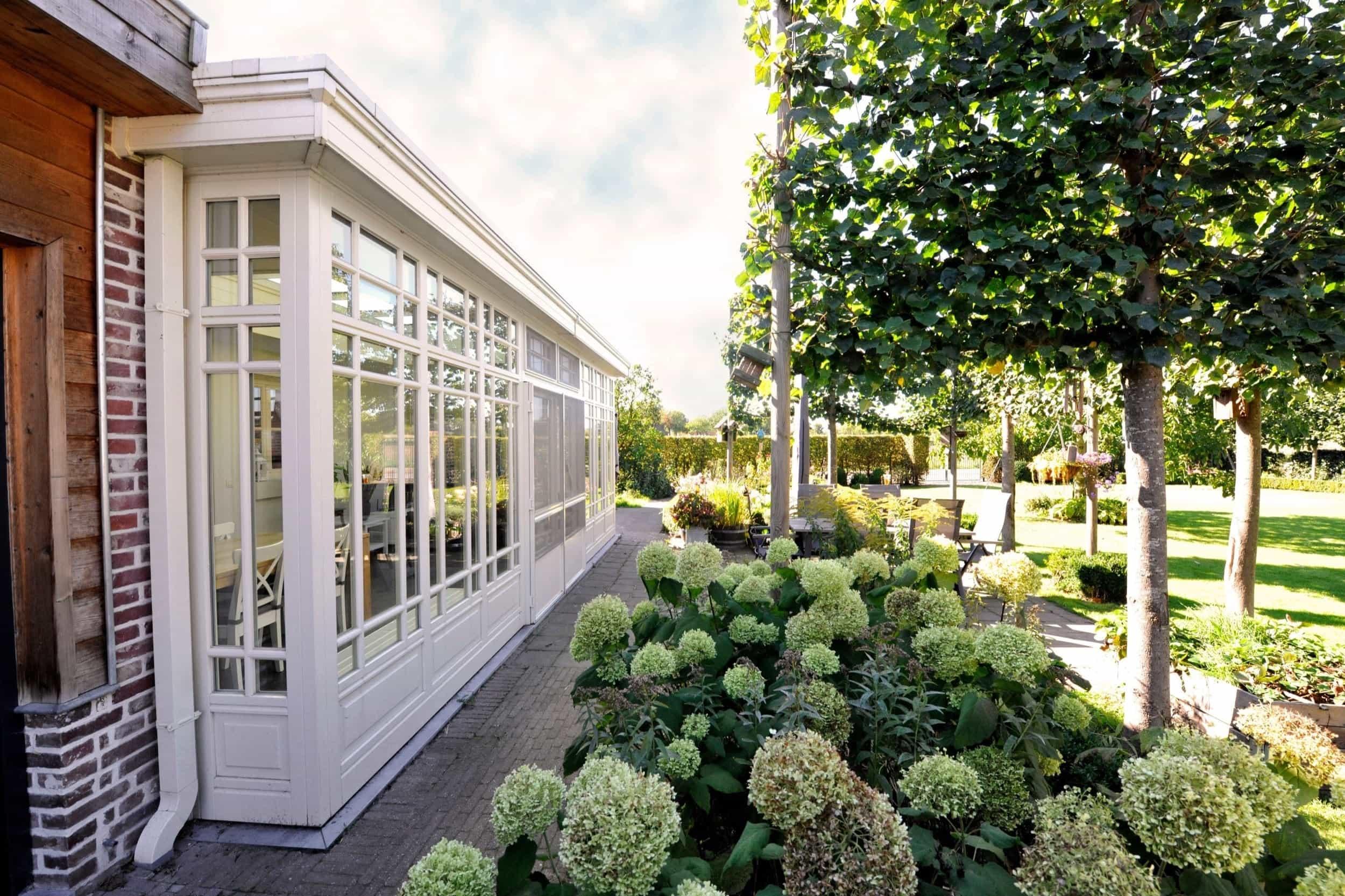 landelijke tuinkamer wit